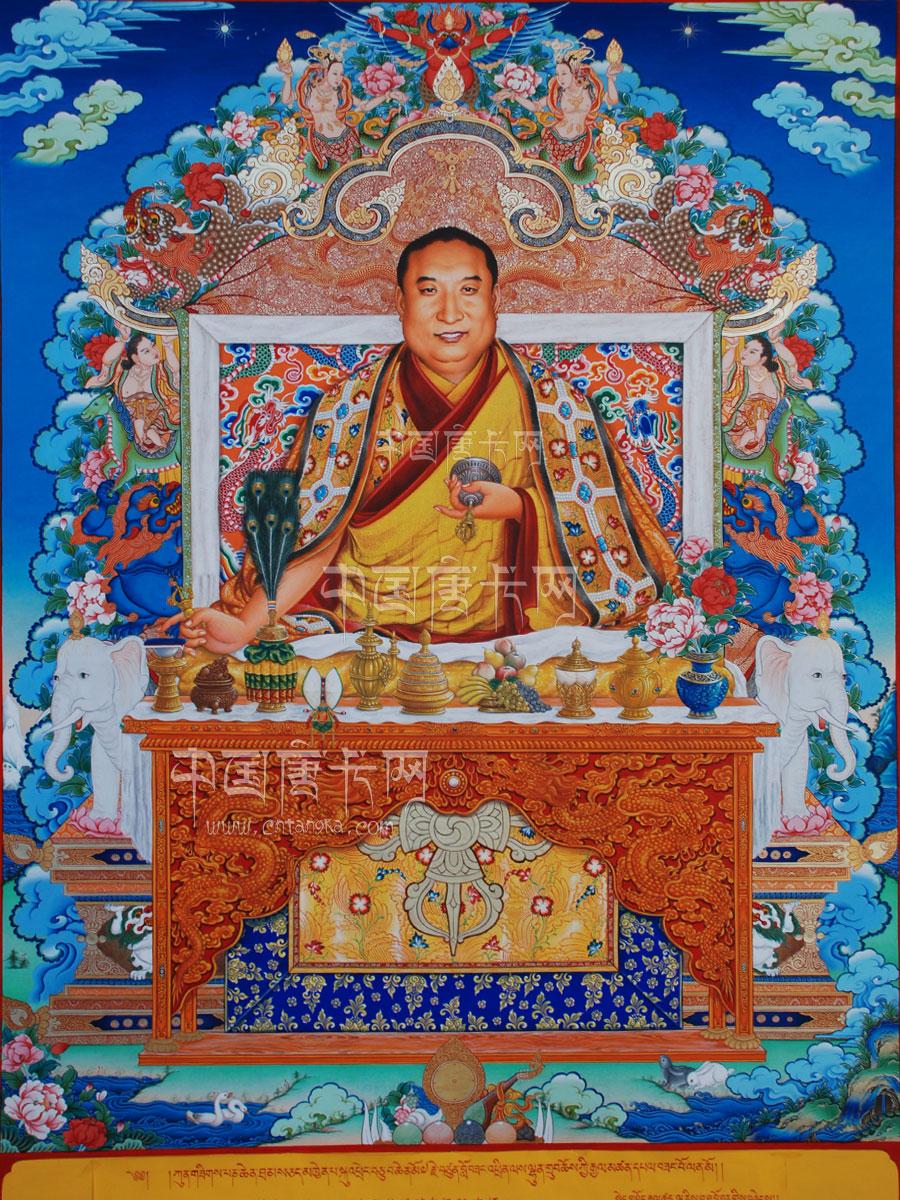 """本站手绘精品唐卡班禅大师画像,画面细腻真实,人物栩栩如生。绘画风格层次分明,在线条的精细度以及人物形象的神似上以达到了较高的境界。 班禅额尔德尼 是1713年康熙皇帝给藏传佛教格鲁派(黄教)领袖班禅的正式封号,简称班禅(喇嘛),不能独称""""额尔德尼""""。在藏传佛教格鲁派中,本来地位仅次于达赖喇嘛,但自康熙朝以后地位同等。班禅是梵文""""班智达""""(意为博学)和藏文""""禅波""""(意为大)的简称。班禅是""""月巴墨佛""""即阿弥陀佛的"""